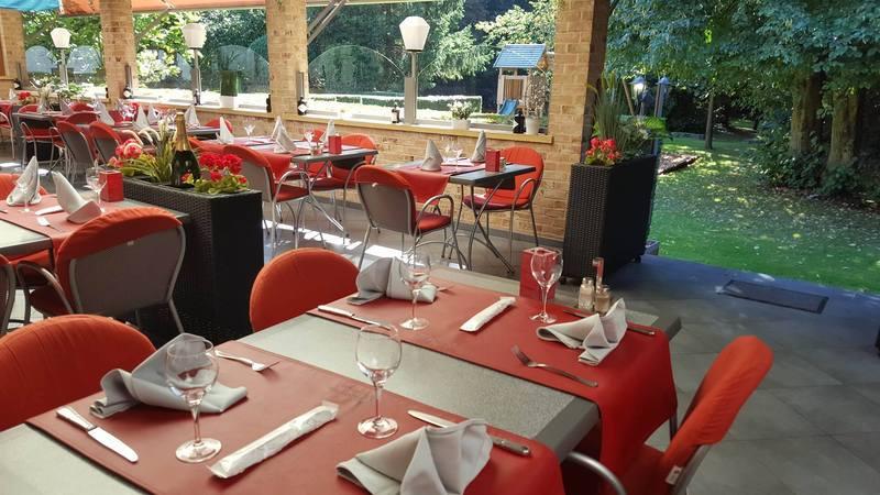Restaurant met terras en parking in kortenberg italiaans - Overdekt terras voor restaurant ...